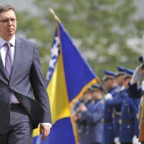 Vučić: Je l' treba da se iselimo svi koji smo iz Bosne?