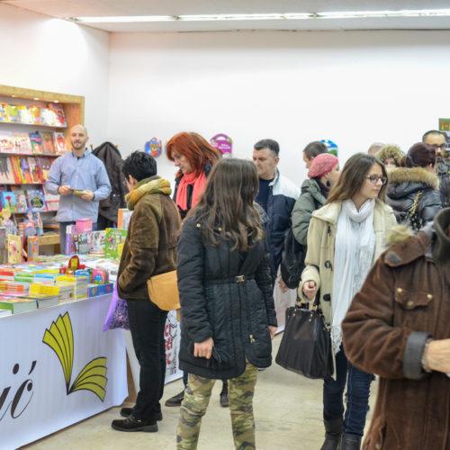 Velika sniženja i nova izdanja: U Sarajevu otvoren 11. Zimski salon knjige