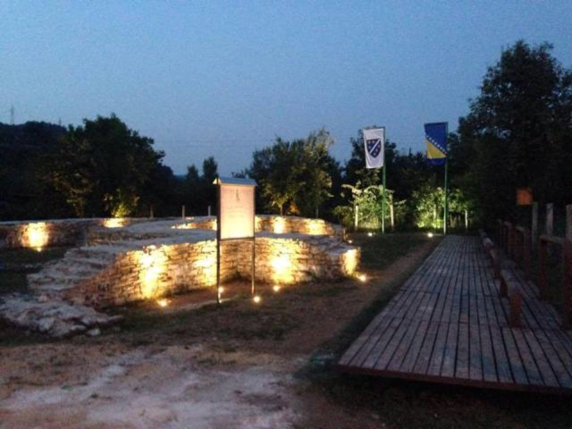 """Arheološko područje """"Mili"""" u Visokom: Srednjovjekovni simbol državnosti Bosne i Hercegovine – Uskoro potpuna zaštita i očuvanje"""