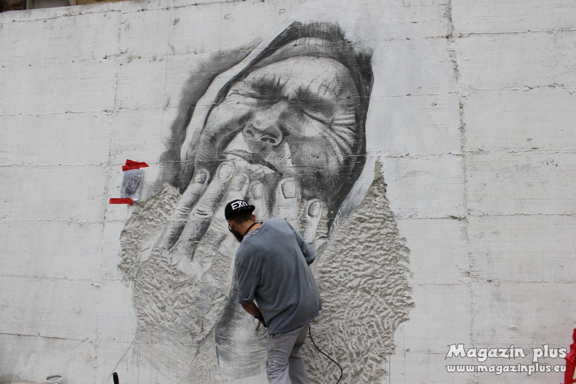 Umjetnici novu štetnicu u Visokom ukrašavaju muralom srebreničkih majki