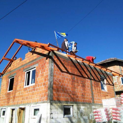 Samohrani otac dobija kuću: Dobri ljudi ispunili san borcu Armije RBiH