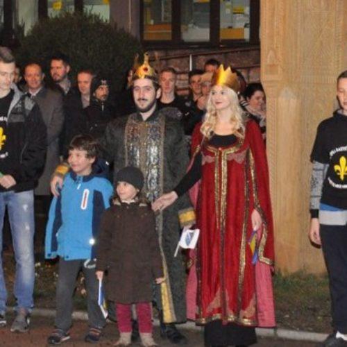 """Dan nezavisnosti u Kaknju: Vatromet i """"Šetnja za Bosnu"""" sa bosanskim kraljem i kraljicom, te čas historije"""
