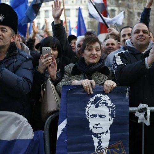 Labirint laži: Na vlasti u Srbiji su oni koji su decenijama skrivali od pravde i u nebesa uzdizali 'herojstvo' Karadžića i Mladića