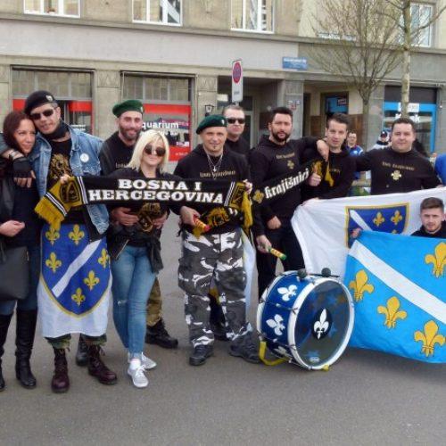 Navijači Bosne i Hercegovine okupljaju se na trgu u Cirihu