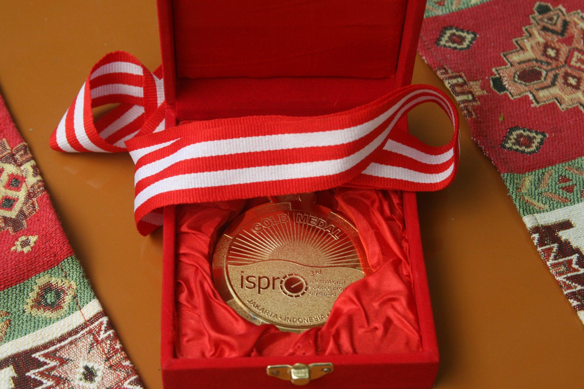 Zlatna medalja za bh. učenike: Izumom oduševili Indonežane (FOTO)