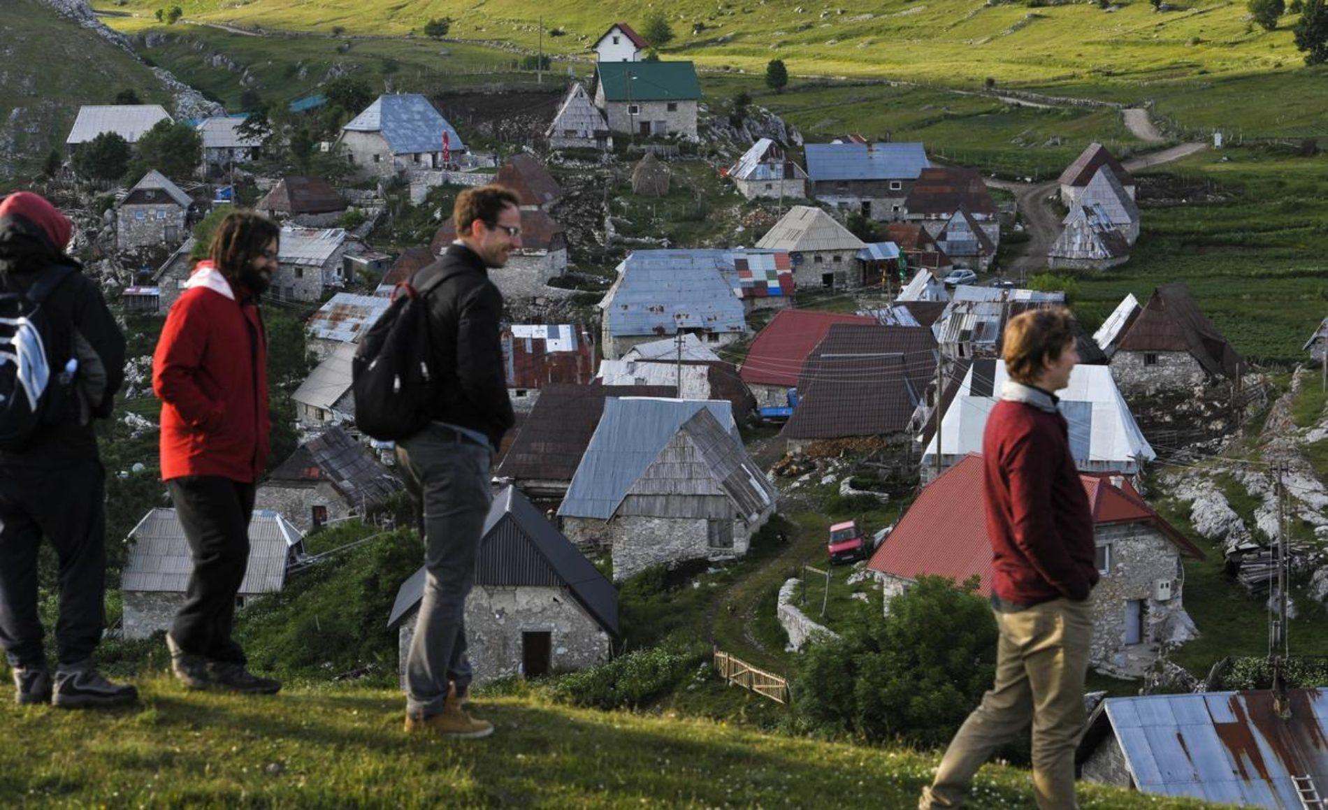 Lukomir: Posebne čari iftara u najvišem selu u Bosni i Hercegovini (FOTO)