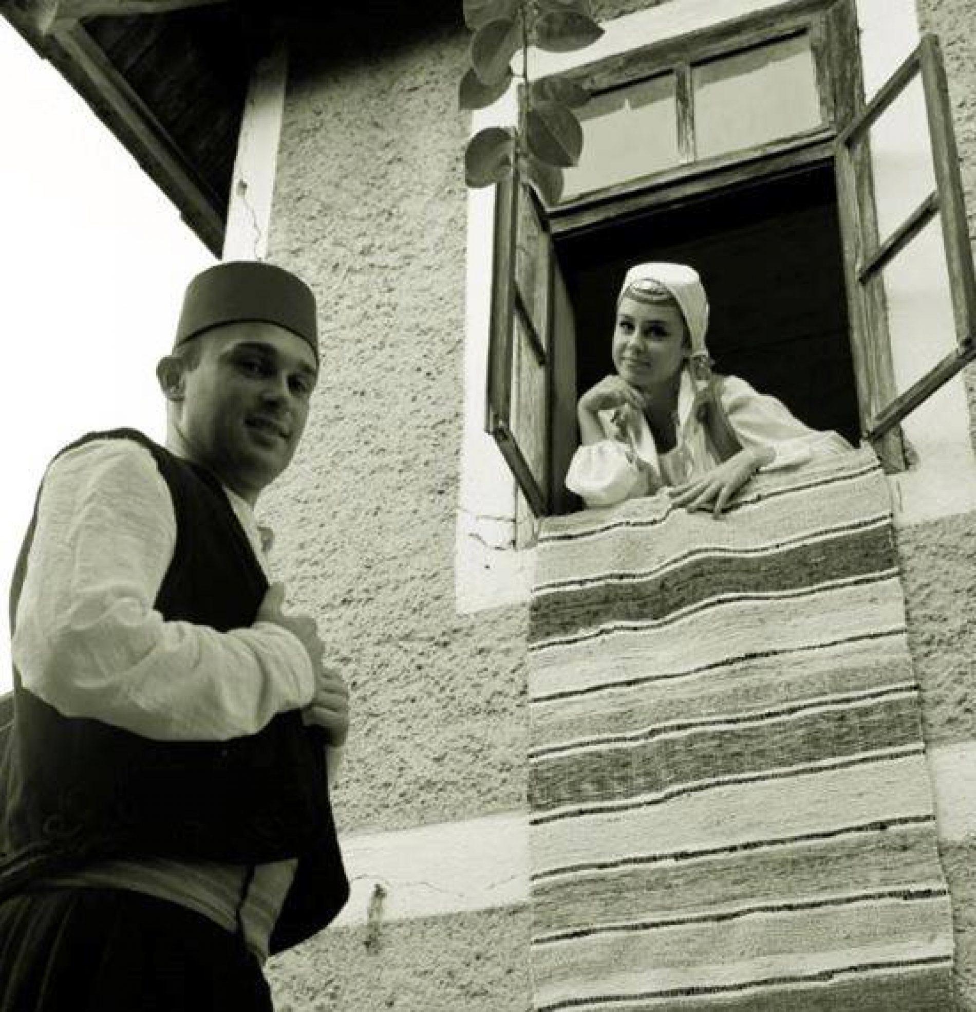 Sevdalinka u oblikovanju bošnjačkog mentaliteta i umijeću pjevanja Safeta Isovića i Himze Polovine