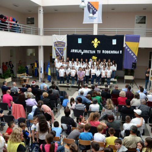 Mostar: Djeca svečano obilježila Dan formiranja ARBiH (Foto)