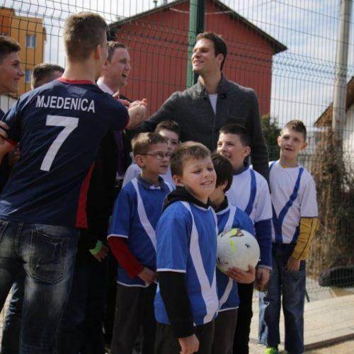 Sarajevo: Asmir Begović otvorio sportsko igralište Zavoda Mjedenica