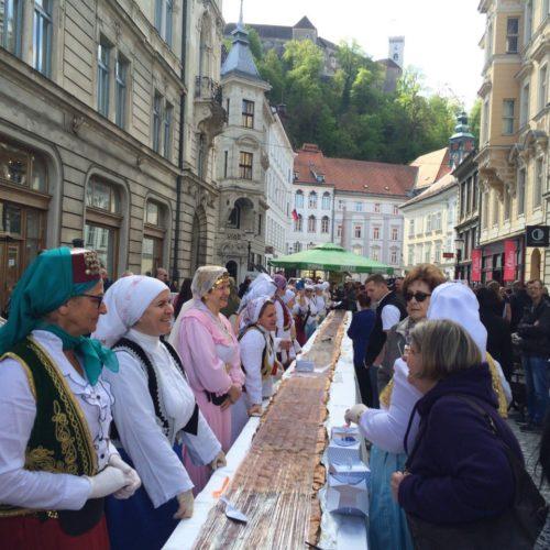 Festival bosanske hrane: U centru Ljubljane baklava za Ginisa