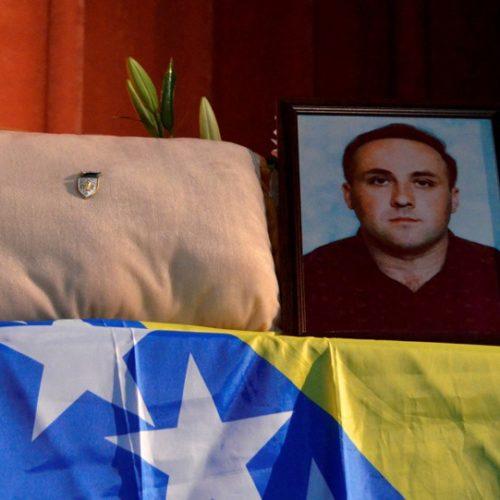 Srebreničani se oprostili od Zlatnog ljiljana Nedžada Bektića (FOTO)