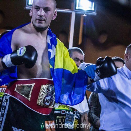 Sarajevski bokser Edin Puhalo prvak Evrope u UBF verziji