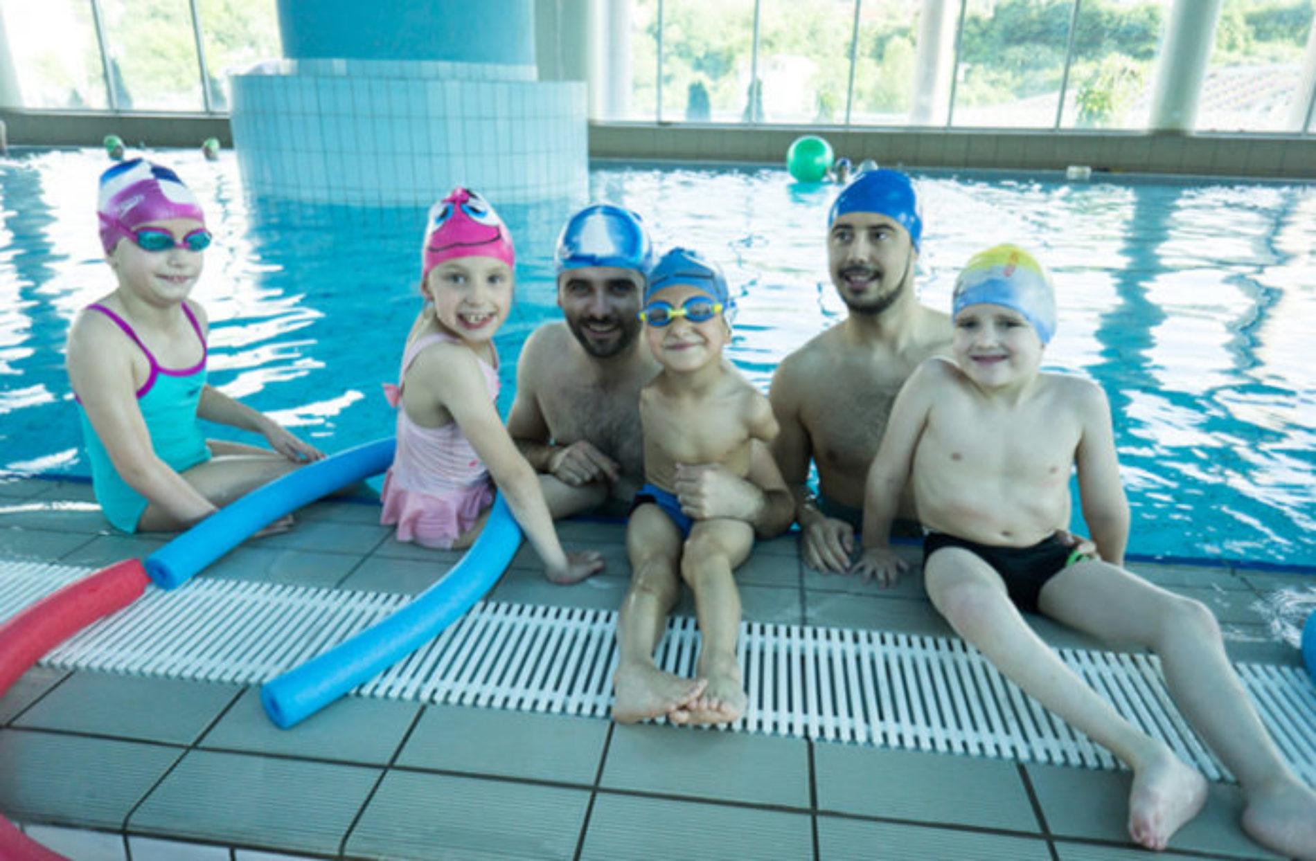 Sarajevo: Besplatno uče plivati djecu s invaliditetom (Video)