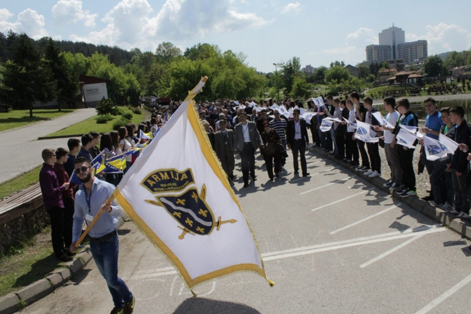 """U Tuzli obilježen Dan """"Zlatnih ljiljana"""": Više od 800 ratnih heroja na jednom mjestu (Foto)"""