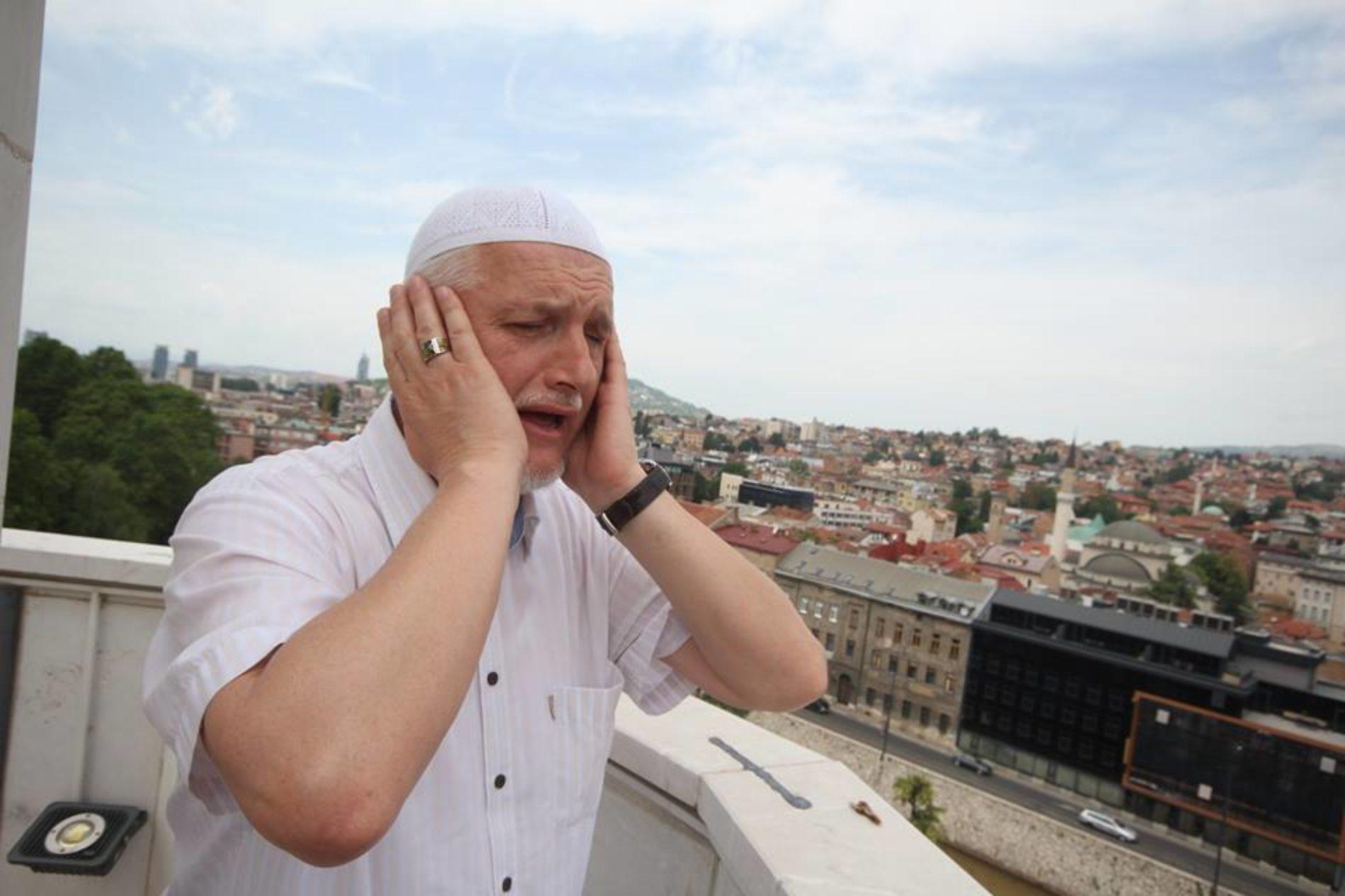 Mujezin Careve džamije hafiz Selim ef. Hoši 30 godina vjernike poziva na molitvu