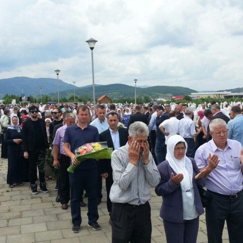 Memorijalni centar Gornja Kalesija: Klanjana dženaza za 28 ubijenih Zvorničana