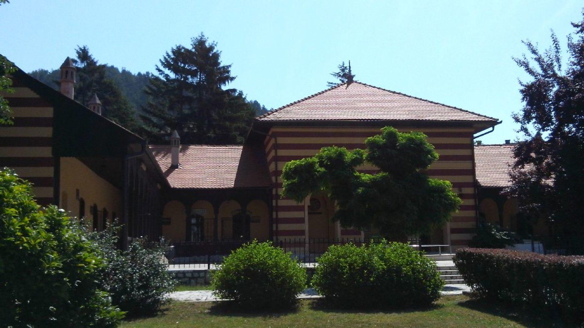 Osman-kapetanova medresa u Gračanici: Nekad obrazovna ustanova danas objekt za društvene namjene