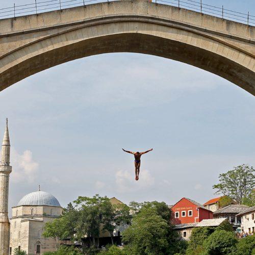 Na današnji dan svečano otvoren obnovljeni Stari most u Mostaru