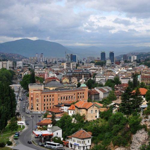 Mediji na njemačkom o Bosni i Hercegovini: Privreda puno zdravija od politike. Ljetna bajka sa arapskim turistima