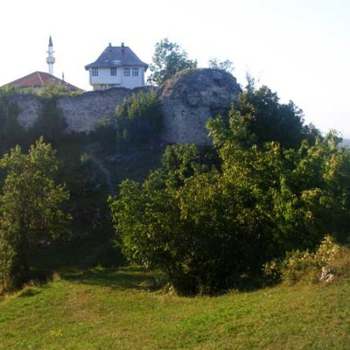Hasan-aga Pećki u ustanku Husein-bega Gradaščevića