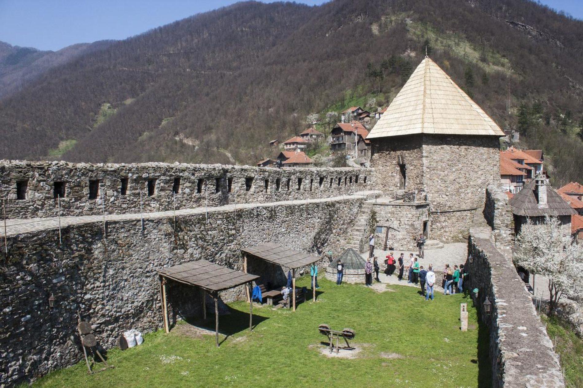"""Održana manifestacija """"Tragovima bosanskog kraljevstva na tvrđavi Vranduk"""""""