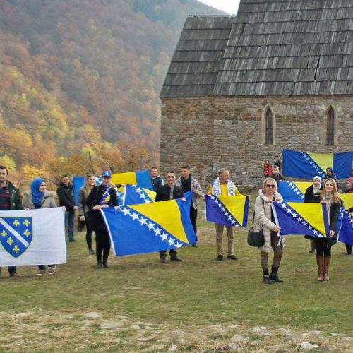 Tragovima bosanskog kraljevstva: Od Bobovca do Bilinog polja – podrška za 'Zmajeve'