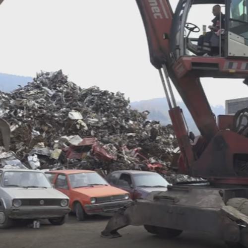 U Zenici uništavaju vozila kojima su teže prekršaje počinili višestruki povratnici (VIDEO)