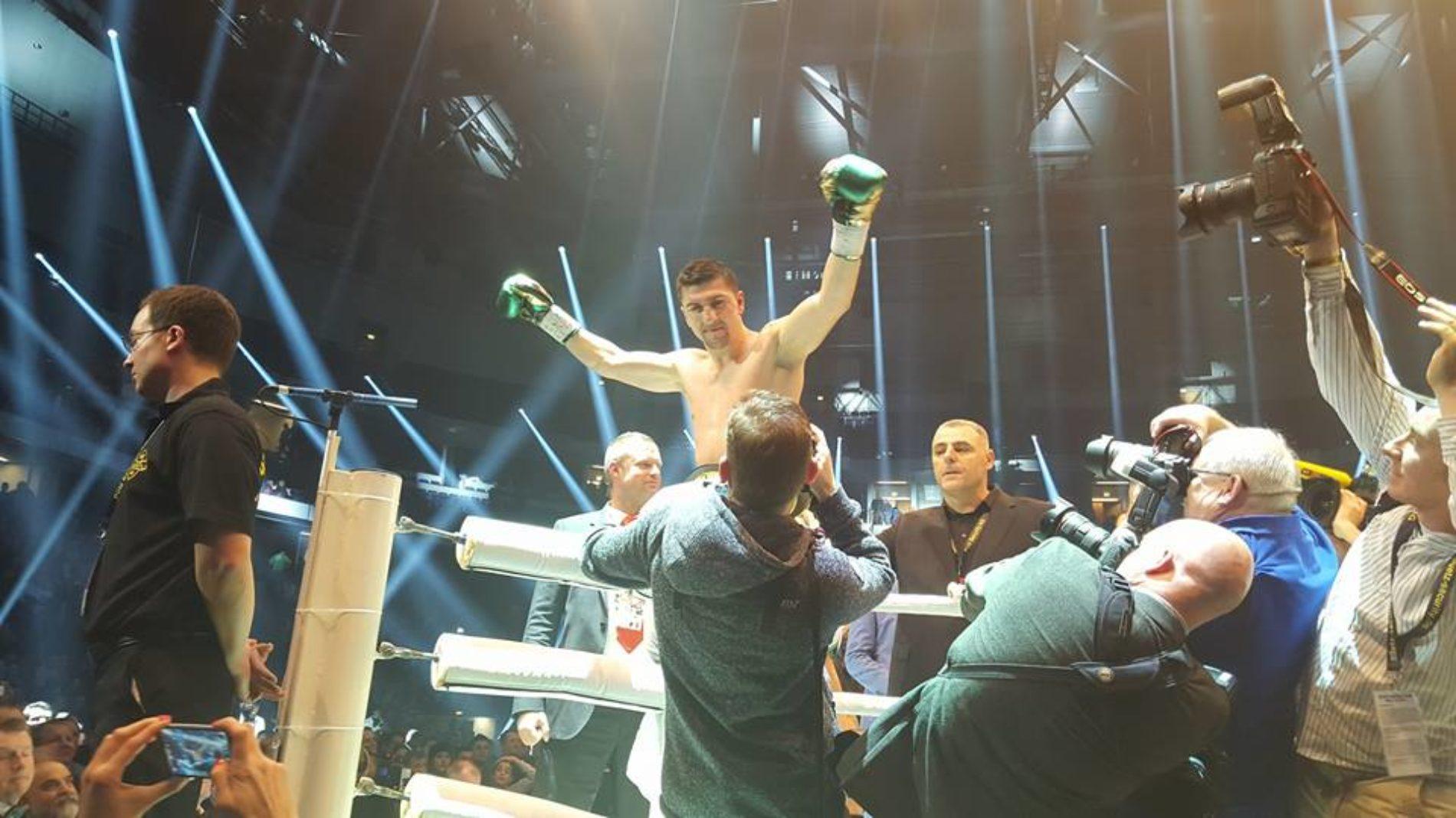 BOKS: Sandžaklija Muamer Hukić odbranio titulu svjetskog prvaka