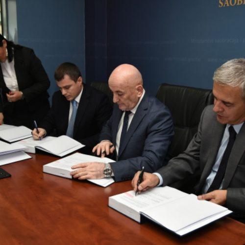 Posao vrijedan 82 miliona BAM: Euro-Asfalt gradi trasu dugu 14 kilometara u Crnoj Gori