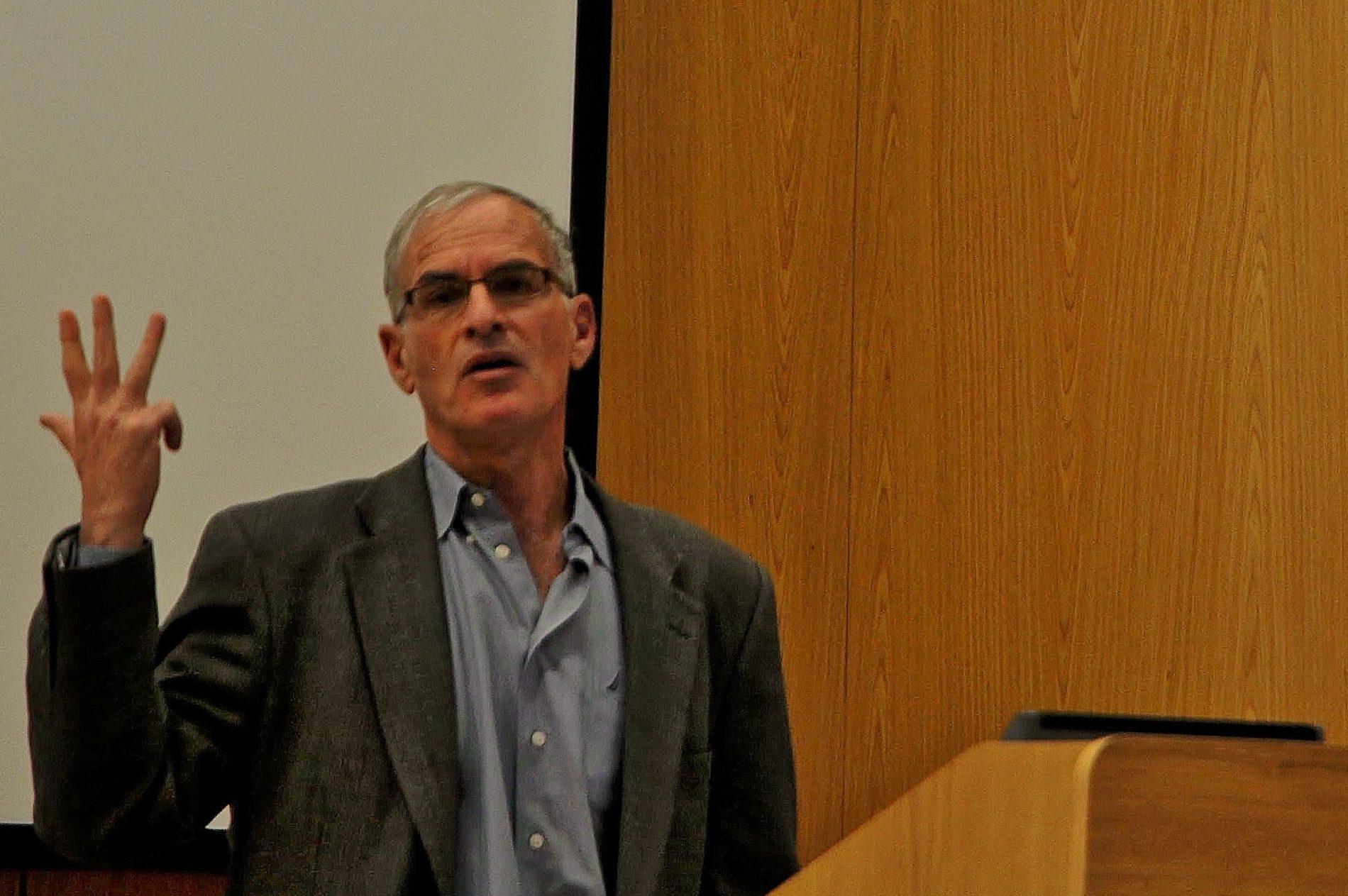 """Dr. Norman Finkelstein: """"Zapadnjaci hodaju okolo bez odjeće, a govore da su muslimani 'nazadni'!"""""""