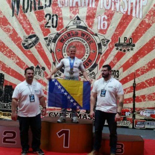 Sejfo Šehović je apsolutno najjači takmičar u svojoj kategoriji: osvojio tri zlata na SP-u u powerliftingu