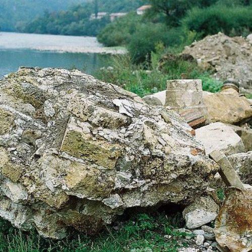 "Dokument ""Vojske RS"": Ostatke džamije na ""mesto gde se deponuje otpadni materijal"""