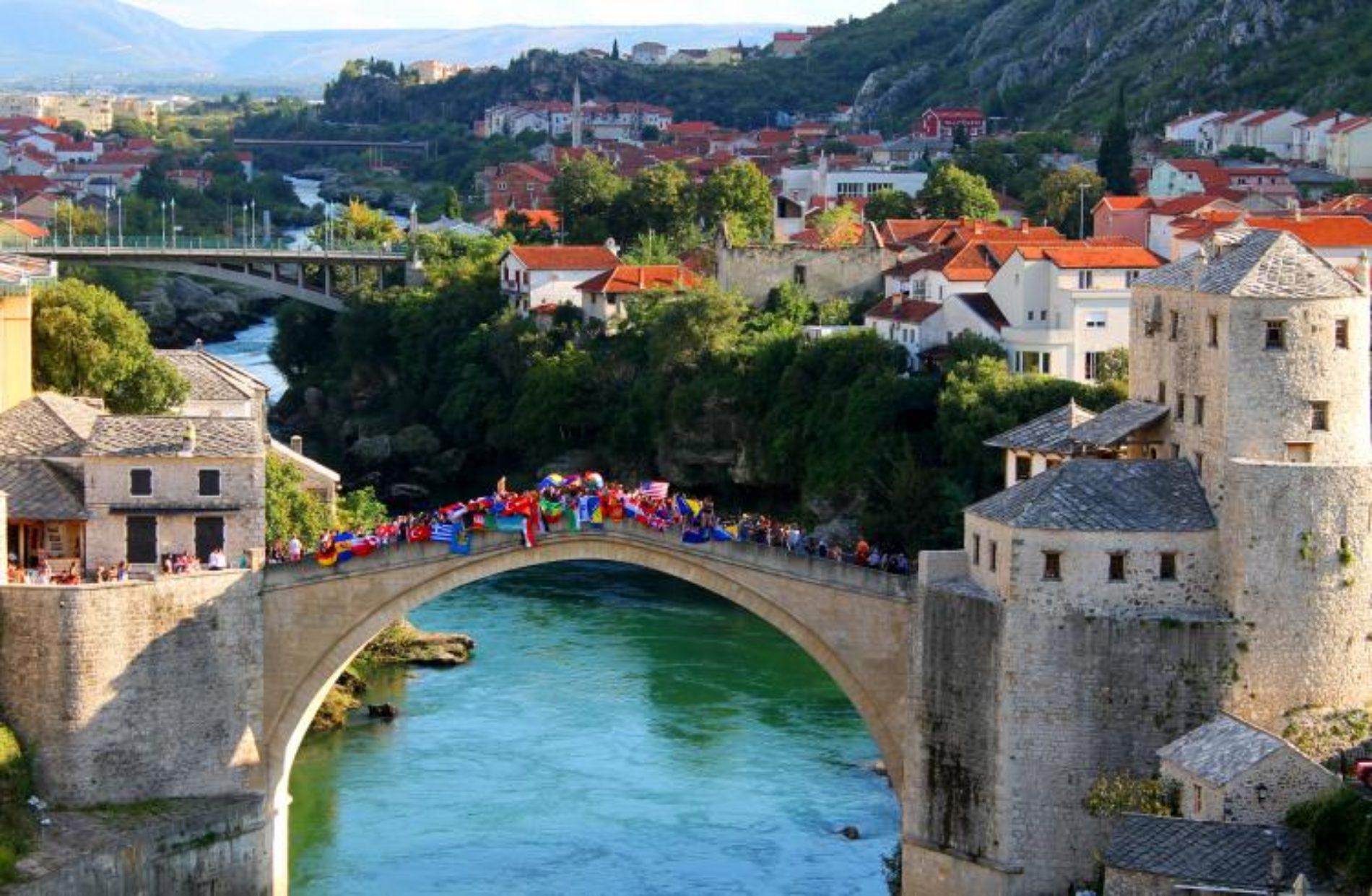 Internacionalni fakultet iz Mostara će ponuditi besplatne stipendije izbjeglicama i studentima iz sedam zemalja koje su pogođene zabranom ulaska u SAD