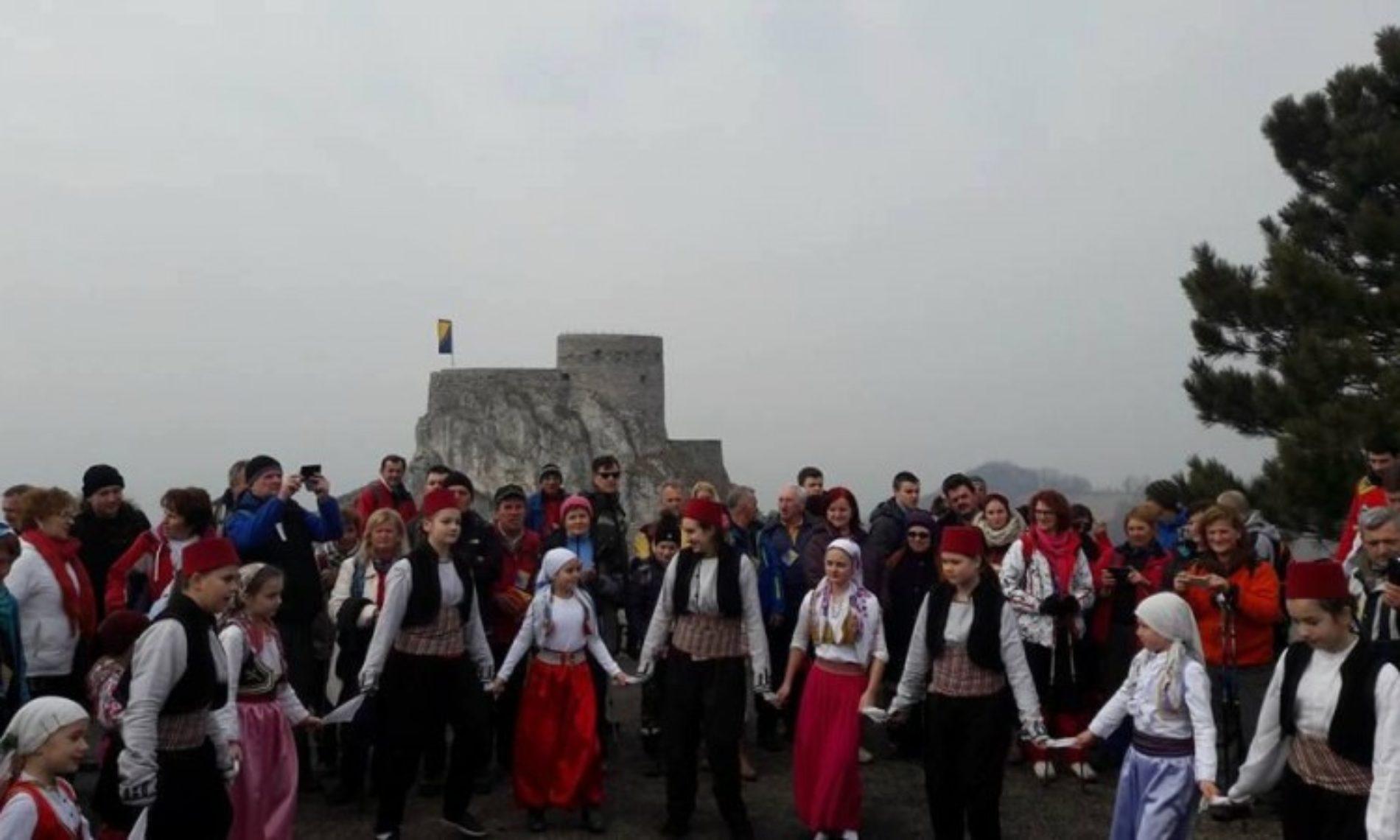 Hiljadu planinara na pohodu za rođendan Srebrenika