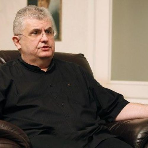 Čanak: Srbiju decentralizovati na tri pokrajine i dvije autonomne oblasti