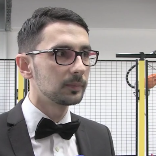 Enver Budaković: Programira robote za Audi; Sada će svoje znanje prenositi mladim kolegama u Tuzli