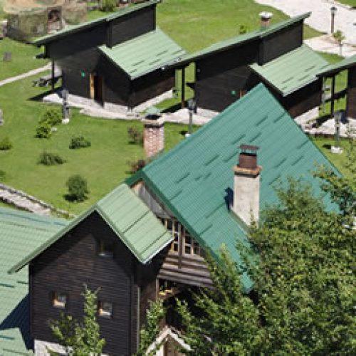 """NEOTKRIVENA LJEPOTA BOSNE: Lovno-turistički centar i punionica prirodne izvorske vode """"Bijela voda"""""""