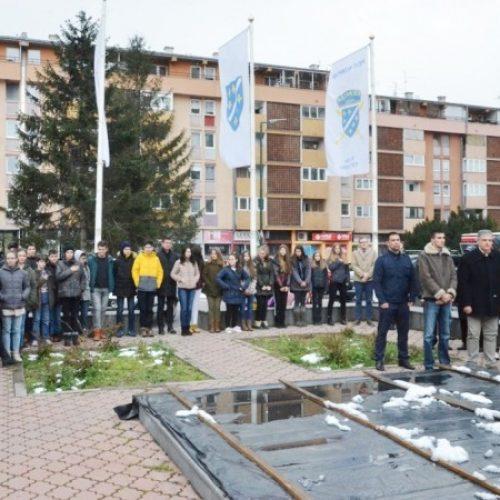 """N. Sarajevo: Dan MZ """"Trg heroja"""" i """"Čengić Vila"""" – Edna Mekić kao osamnaestogodišnjakinja rame uz rame sa muškarcima branila svoje naselje"""