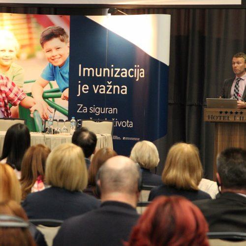 """ROBB BUTLER (WHO): """"Ako se nastavi pad imunizacije, u Bosni i Hercegovini ćemo vidjeti ono što i u Rumuniji gdje je epidemija ospica odnijela ljudske živote"""""""