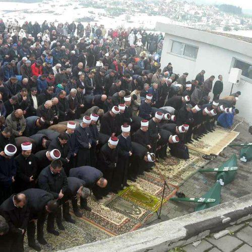 ISTOČNA BOSNA: Klanjana kolektivna dženaza za ubijene Vlaseničane