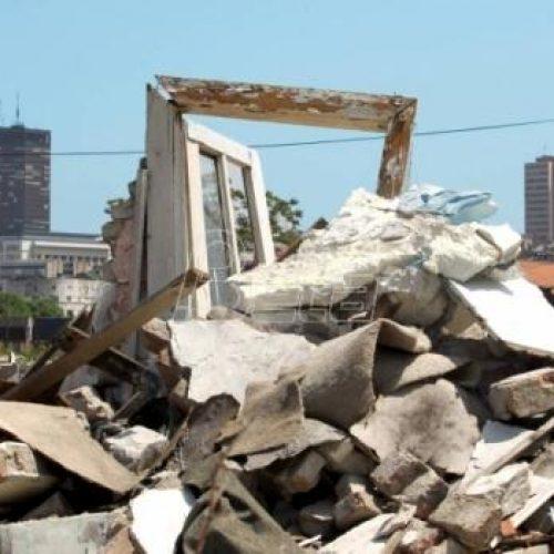 Beograd: Nepotrebno i štetno rušenje džamije u izgradnji; Zašto nelegalno podignute vikendice predsjednika Srbije nisu smetnja