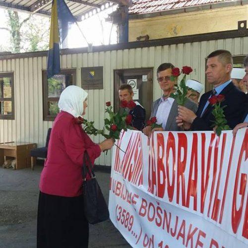 Pred kolektivnu dženazu u Bratuncu: Sjećanje na sve žrtve zločina počinjenih tokom 1992.
