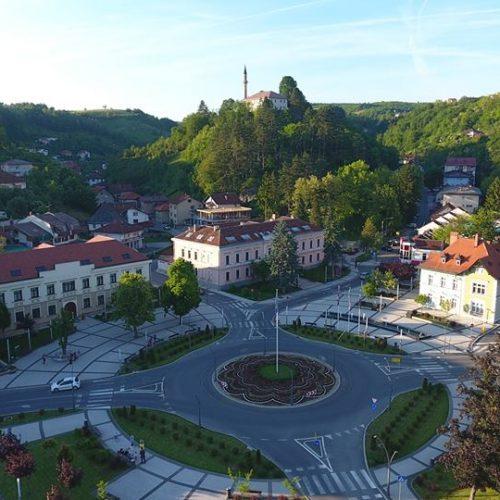 'Cvijet Srebrenice' u srcu Grada Cazina