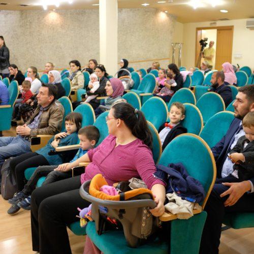 Općina Novi Grad pruža podršku natalitetu i osnaživanju porodice: po 500 KM za porodice sa troje i više djece