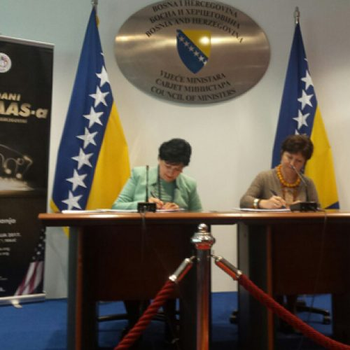 Država se povezuje sa intelektualcima iz dijaspore: Potpisan Memorandum o saradnji sa BHAAAS