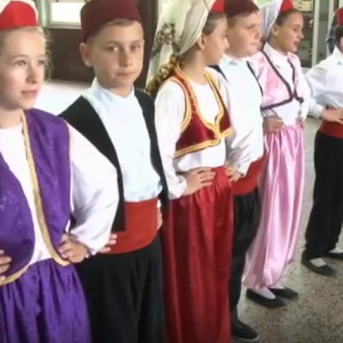 Tuzlanski osnovci oživljavaju bosansku tradiciju (VIDEO)