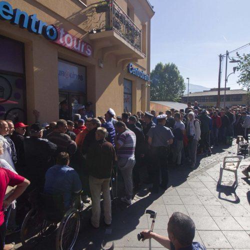 Zeničani proveli noć na otvorenom kako bi kupili ulaznice za utakmicu Bosna i Hercegovina – Grčka