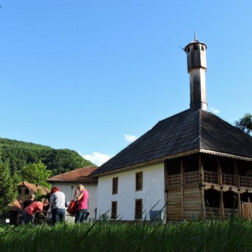 Akšam i iftar u Lukomiru, na Prokoškom jezeru, Trebeviću, Zelengori (FOTO)