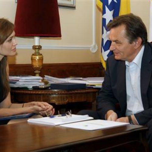 Bivši bosanski režiser optužuje slavnu glumicu: 'Dobila zadatak da ocrni srpski narod'