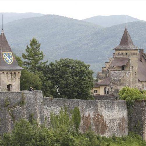 Cazin: Počinje sanacija Berksovog dvorca na Starom gradu Ostrožac i kuće Nurije Pozderca